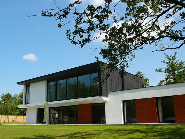 Maison contemporaine haut de gamme contemporain fa ade for Facade de maison contemporaine