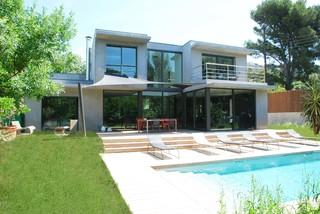 Maison contemporaine neuve toulon for Constructeur maison toulon
