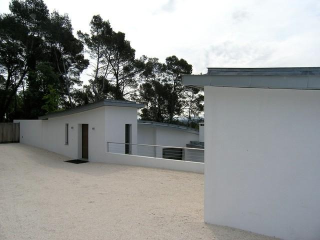 Villa contemporaine for Piani di casa cottage con porte cochere