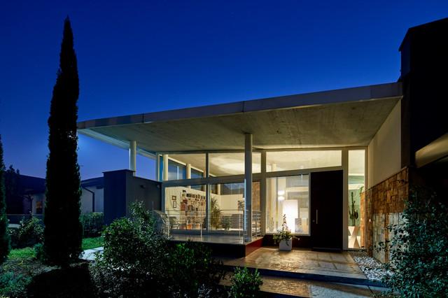 Immagine della facciata di una casa contemporanea