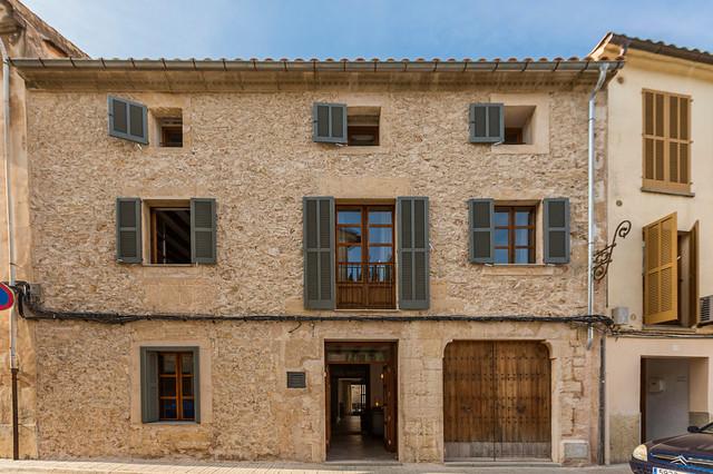 Casa de pueblo estilo vintage en pollensa mallorca - Colores para fachadas rusticas ...