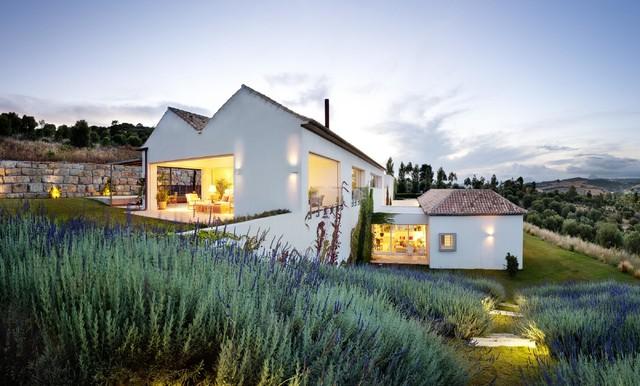 Casa en medio del campo en sotogrande for Arquitecto sotogrande