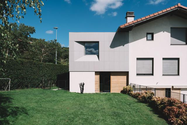 Modelo de fachada contemporánea pequeña