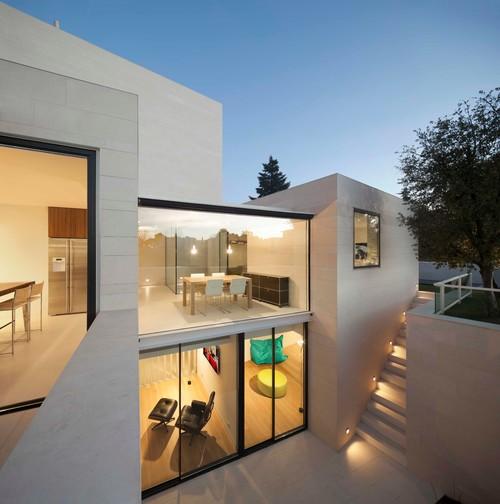 Construcción de una vivienda unifamiliar estilo moderno en Igualada, Barcelona.