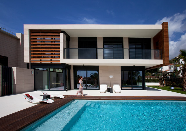 exterior chalet con piscina sitges
