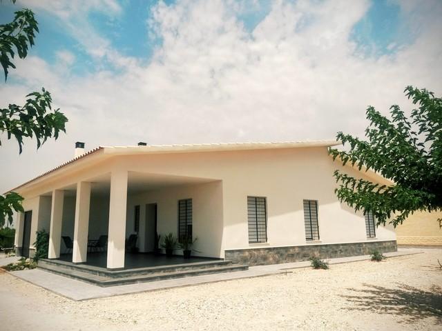 Reforma de una casa tradicional en elche - Casas de campo en elche de bancos ...