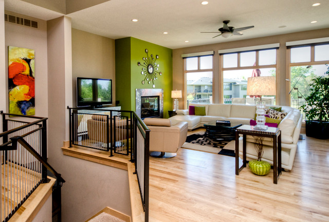 14422 Oakwood contemporary-family-room