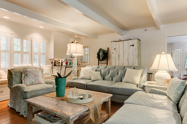 1940's Farmhouse in the City - Country - Family Room - Columbus