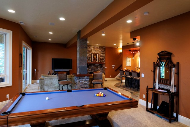 2008 Remodeling Excellence Award Winner traditional-family-room