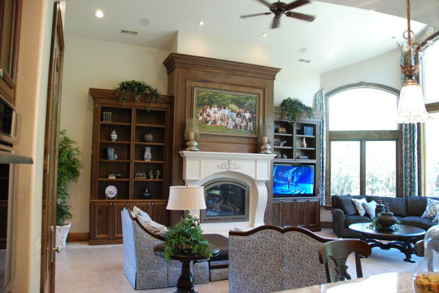 2011 Parade of Homes traditional-family-room