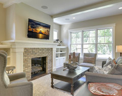 2013 Fall Parade of Homes transitional family room