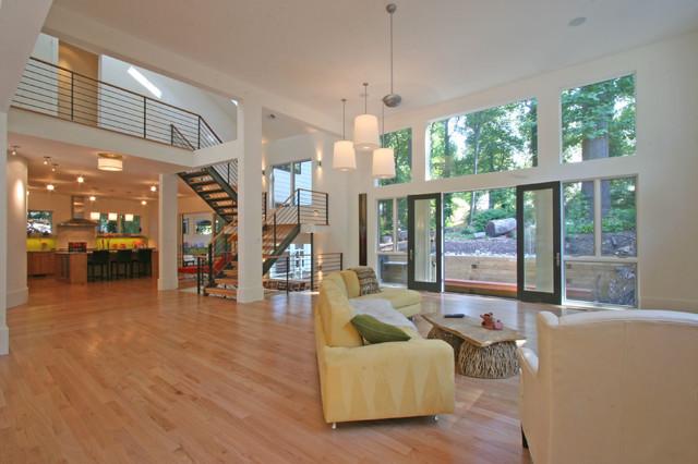 23rd Road modern-family-room