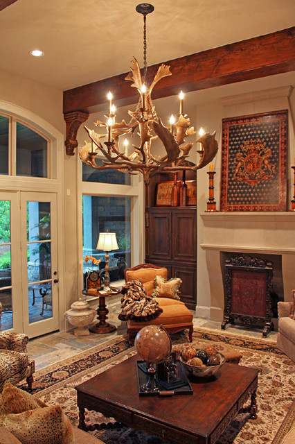 Eagle Point traditional family room