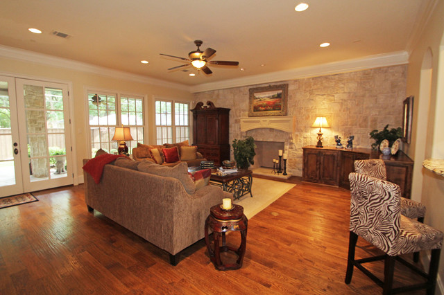 3940 Wentwood traditional-family-room