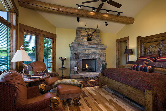 Aerie at Spring Creek Ranch traditional-family-room