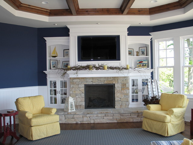 Peggy traditional family room
