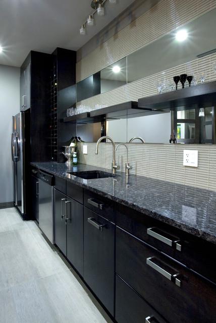 Bar contemporary-family-room