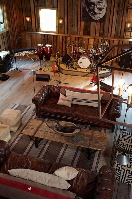 Barn And Entertainment Music Performance Space Farmhouse