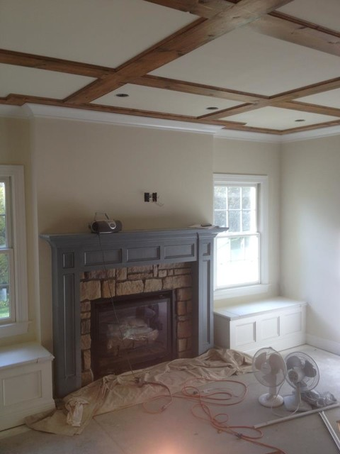 beams traditional-family-room
