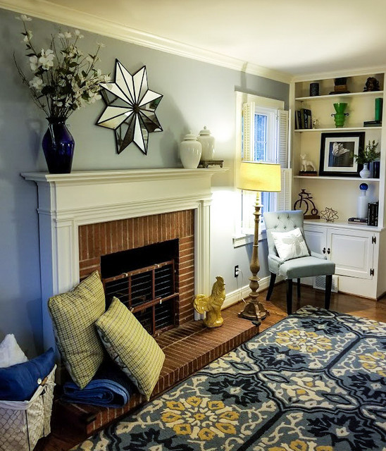 Inspiration for a timeless family room remodel in Louisville