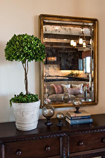 Bella Vista traditional-family-room