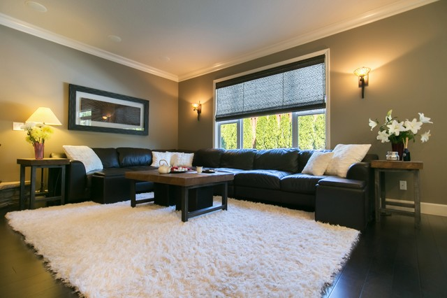 Example of a family room design in Portland