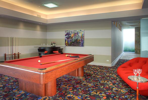Beverly Hills modern-family-room