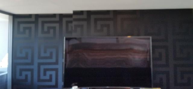 Black versace wallpaper sala de estar s dney de for Wallpaper sala de estar