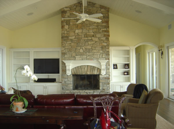 Bookcases & Entertainment Centers traditional-family-room