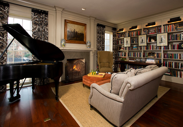 Example of a classic family room design in DC Metro