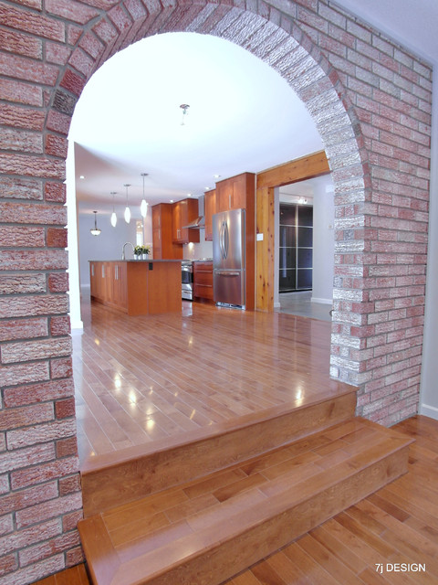Exceptionnel Brick Arch House Traditional Family Room