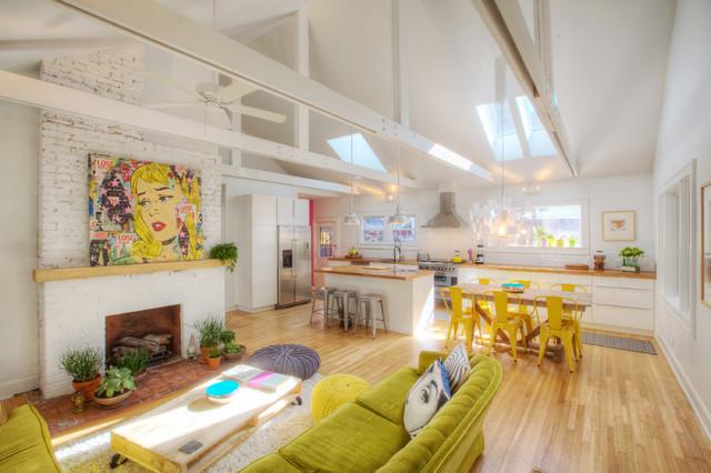 Attractive Broad Ripple Bungalow Landhausstil Wohnzimmer