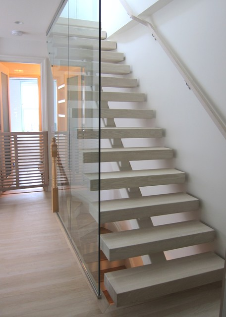 Brooklyn open riser stair contemporary family room