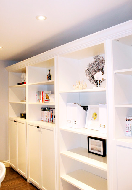 Built-in Shelf and Bookcase contemporary-family-room