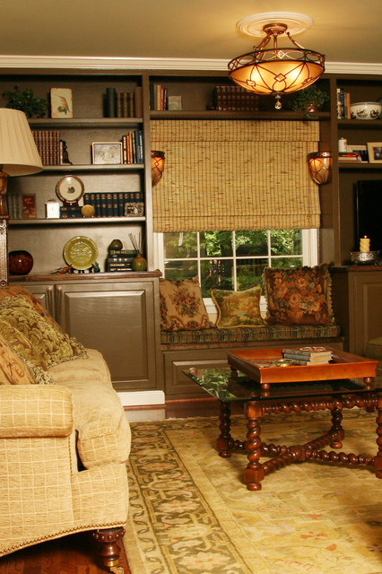 Built-in with window seat traditional-family-room