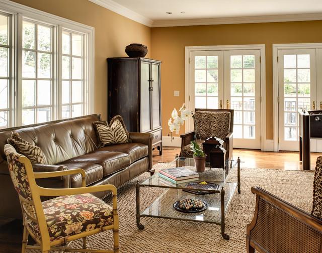 California Classic traditional-family-room