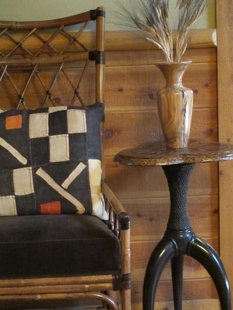 Charmean Neithart Interiors, LLC. rustic-family-room
