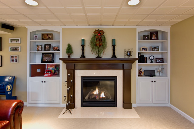 Clubroom traditional-family-room