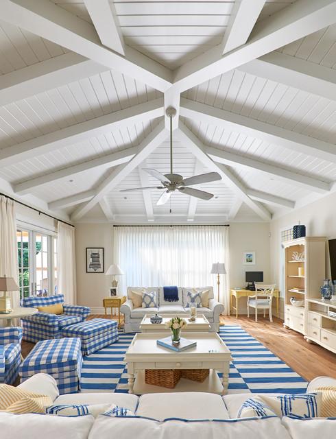 coastal delray beach maritim wohnzimmer miami von. Black Bedroom Furniture Sets. Home Design Ideas