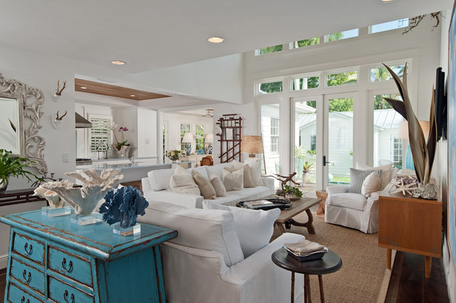 Coastal Style Family Room Shabby Chic Wohnzimmer