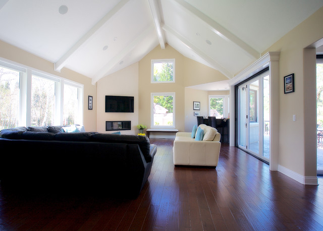 Example of a family room design in San Francisco