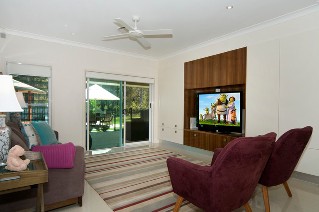 Cooroibah House contemporary-family-room