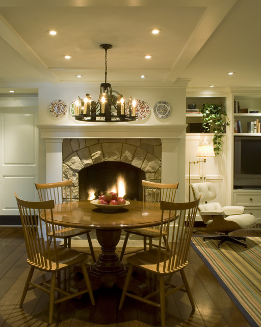 Cottage Kitchen Angeles: By Tommy Chambers Interiors, Inc