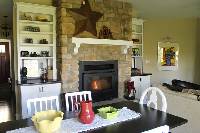 Cottage traditional-family-room