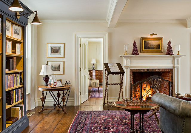 Crisp Architects traditional-family-room