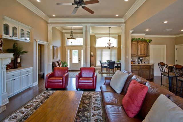 Custom benton arkansas home with open floorplan for Little rock custom home builders