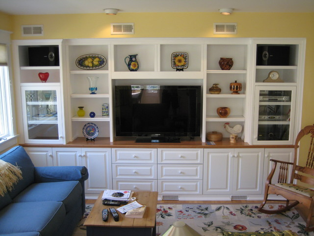 Custom Cabinets   Entertainment Center   Media TV Center  Traditional Family Room