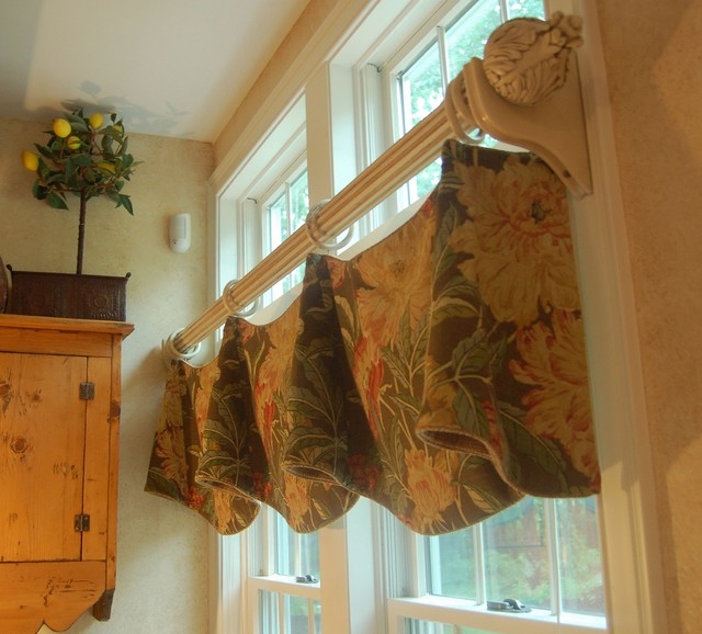 Custom London Shade & Claudine Valances in Tropical Linen traditional family room