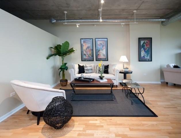 Davis Street Loft family-room