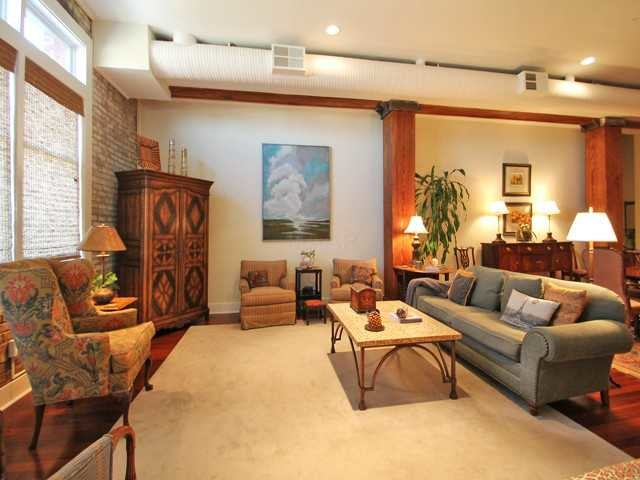 Downtown Memphis Condo traditional-family-room
